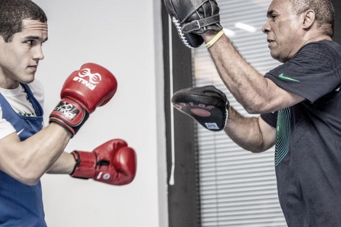Michel Borges vence boxeador croata e avança às quartas de final na categoria dos meio-pesados