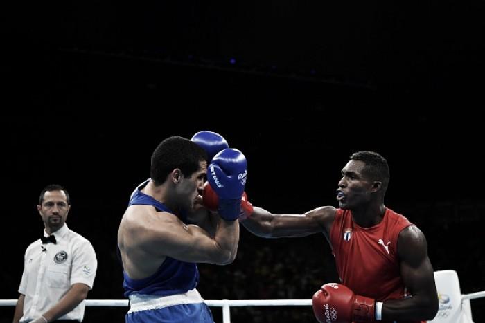 Michel Borges faz luta conservadora e acaba eliminado no boxe
