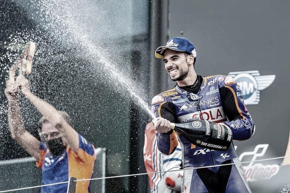 Miguel Oliveira fala de vitória histórica na MotoGP e não quer recepção