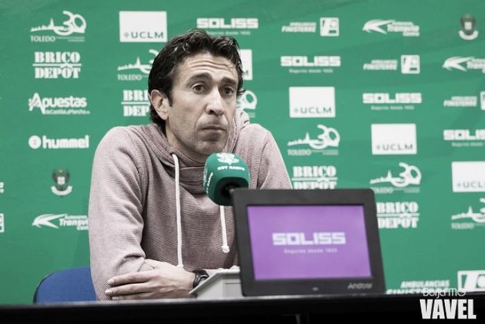 """Miguel Falcón: """"Estamos muy jodidos. Era un partido muy importante para nosotros"""""""