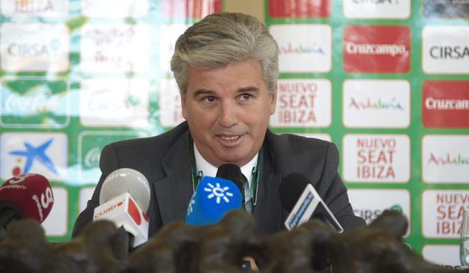 Guillén: ''Haremos todo lo posible para que Beñat se quede con nosotros''