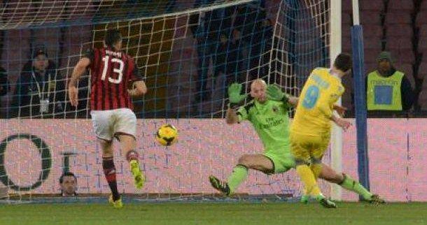 Canta Napoli, il Milan crolla 3-1