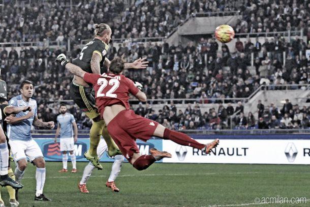 Com tranquilidade, Milan vence Lazio fora de casa