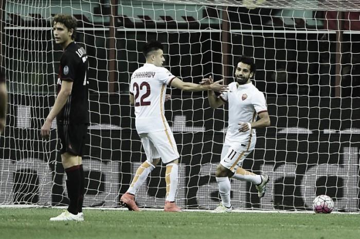 Roma 'sobra' em campo e vence Milan, mas não consegue vaga direta à fase de grupos da UCL