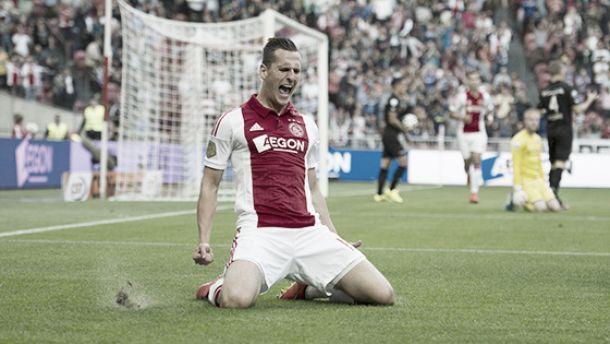 El Ajax vuelve a ganar ante un oscuro Heracles