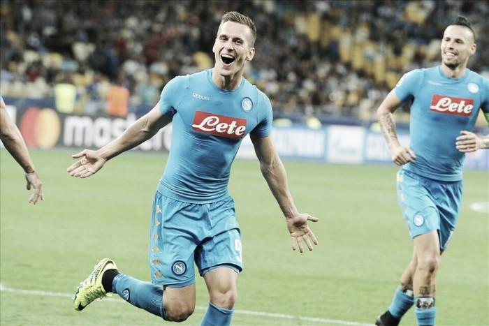 """Milik comemora vitória do Napoli contra Dynamo Kyiv na Champions: """"Uma noite mágica"""""""