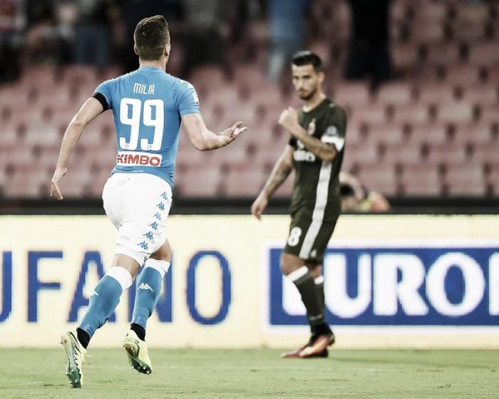Napoli abre com dois de Milik, sofre empate, mas garante vitória contra desestabilizado Milan