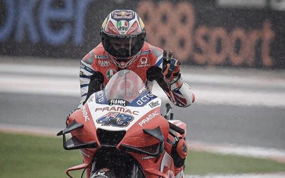 GP de Europa: Miller domina en condiciones mixtas
