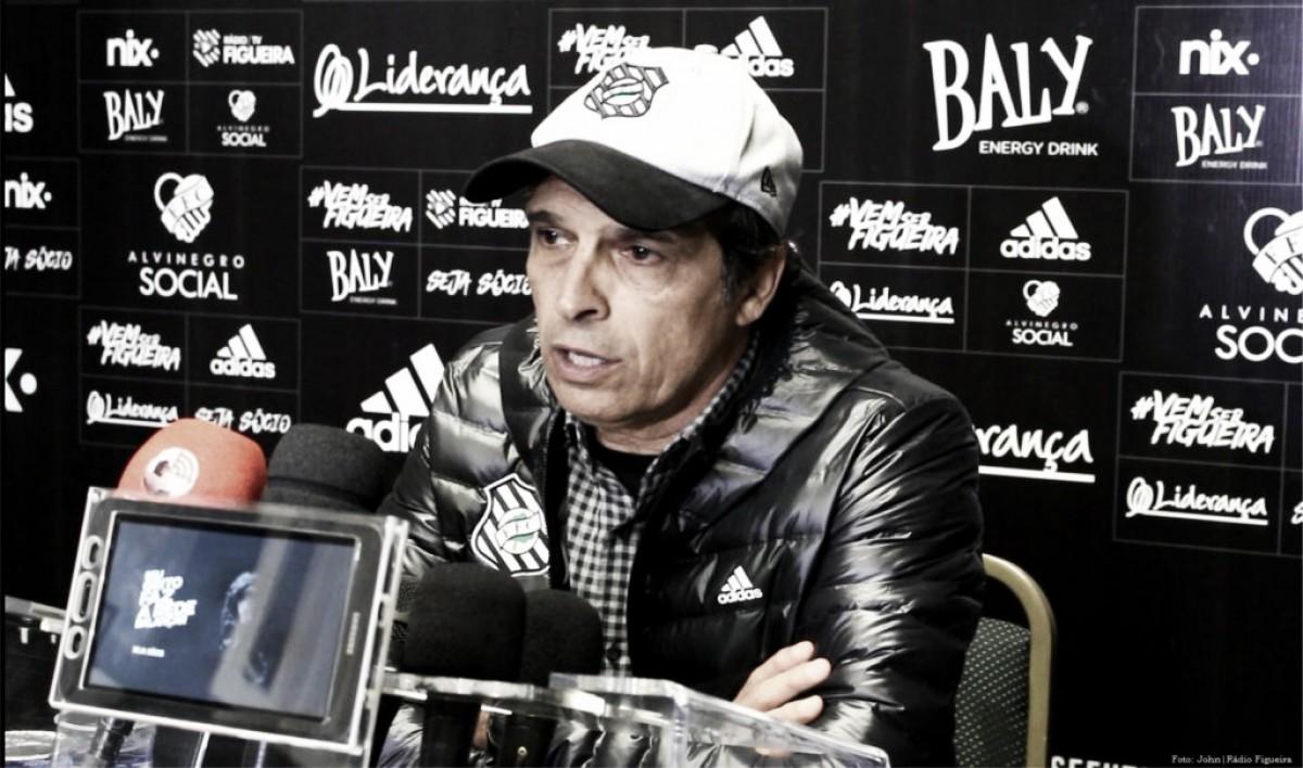 """Milton Cruz reclama de arbitragem após empate do Figueirense com CRB: """"Má vontade contra nós"""""""