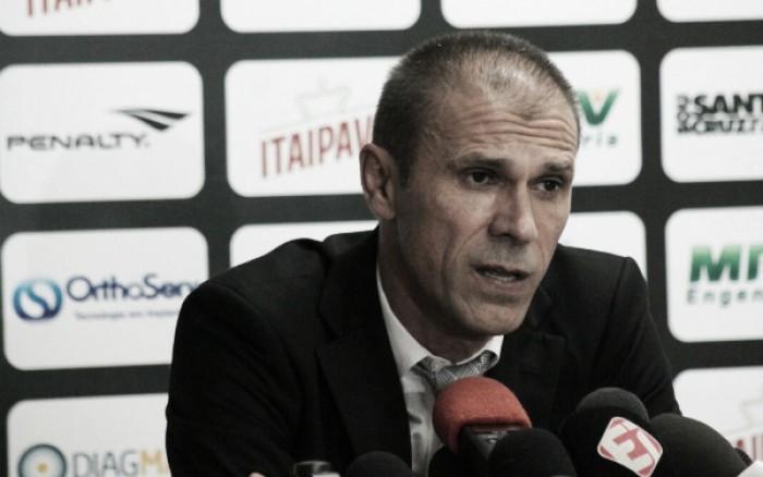 """Milton Mendes admite erros contra Ponte Preta: """"Assumo toda a responsabilidade pelo resultado"""""""