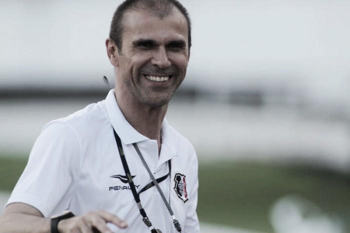 Com duas mudanças, Milton Mendes confirma Santa Cruz para confronto com Fluminense