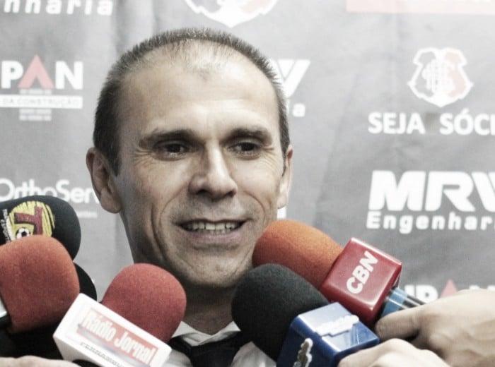 Milton Mendes exalta melhora no nível técnico do Santa Cruz contra o Vasco