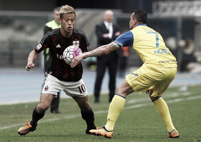 Milan visita surpreendente Chievo em busca de um triunfo para entrar na zona europeia
