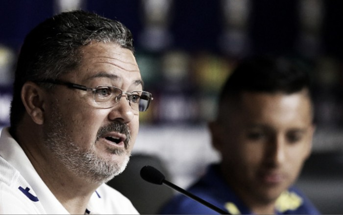 """Micale pede apoio da torcida e elogia África do Sul após empate: """"Equipe bem postada"""""""