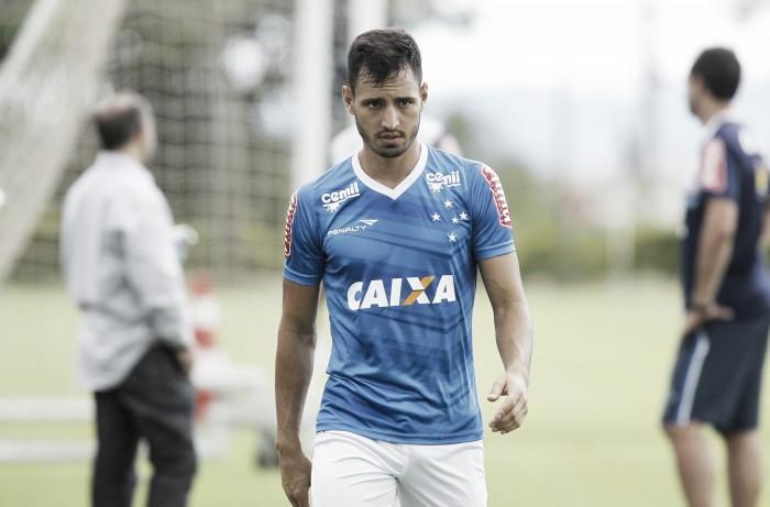 Sanchez Miño é liberado pelo Cruzeiro e embarca para acertar com Independiente