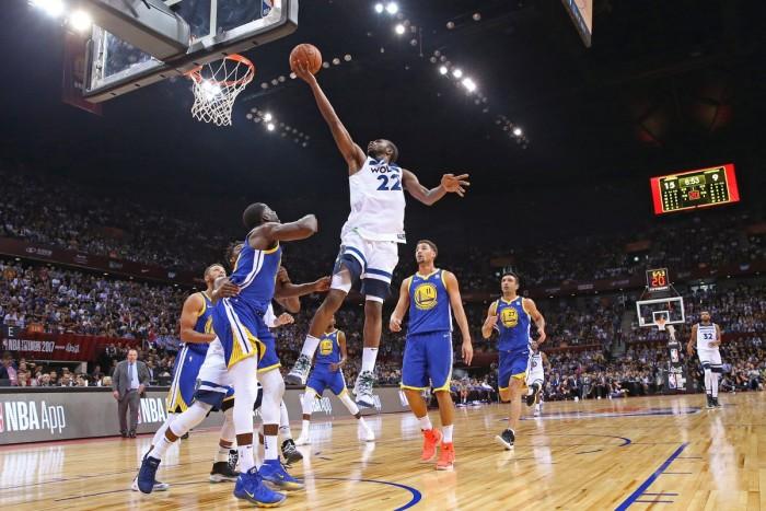 NBA Preseason - Minnesota di rimonta su Golden State. Lakers ancora KO con Denver, Utah sul velluto