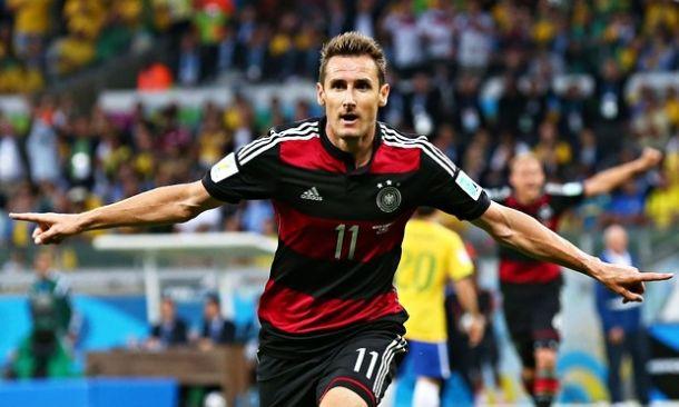 Alemanha esmaga Brasil e atinge a 8ª final da sua história