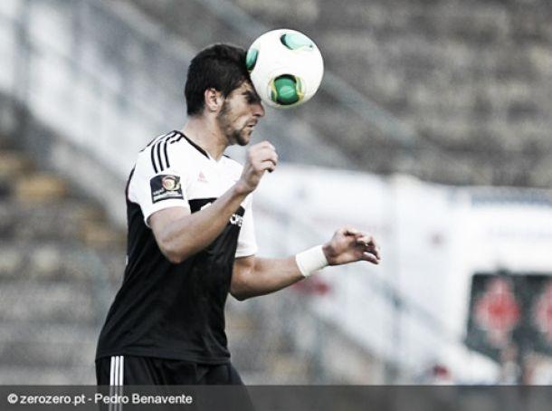 Benfica empresta central Mitrovic ao Valladolid