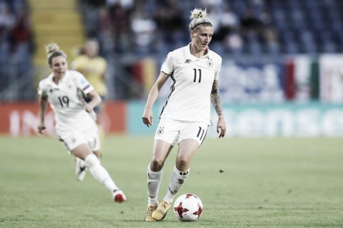 Após 13 anos, Anja Mittag anuncia aposentadoria da seleção alemã de futebol feminino
