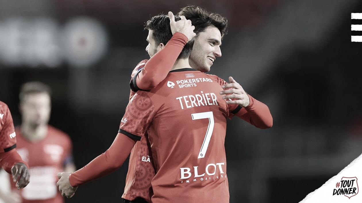 Rennes freia ascensão do Metz, engata quarta vitória seguida e entra na disputa pela liderança
