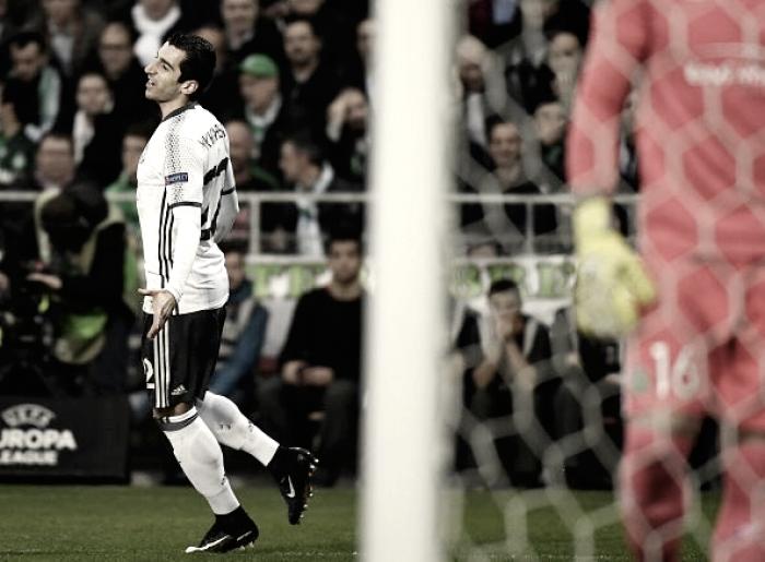 United: avanti tra incertezze e guai. Mkhitaryan k.o. e Bailly espulso, Rooney ormai ai margini