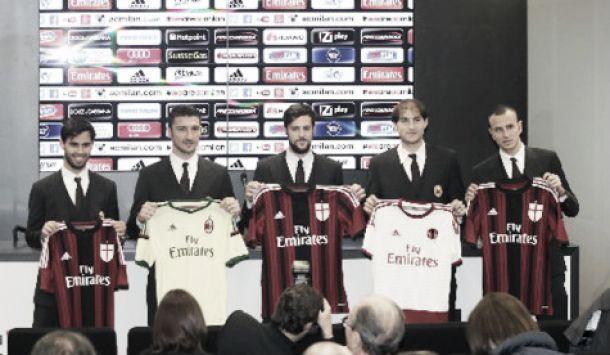 """Milan, presentati i nuovi arrivati, Destro: """"Il Milan è il Milan, non c'era nulla da convincere"""""""