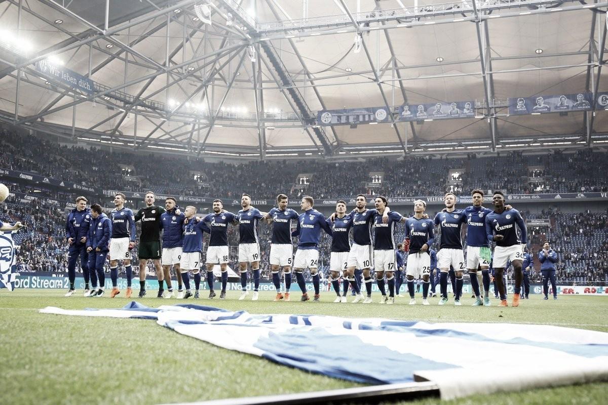 Schalke 04 vence Freiburg, se consolida na vice-liderança e adia hexa do Bayern