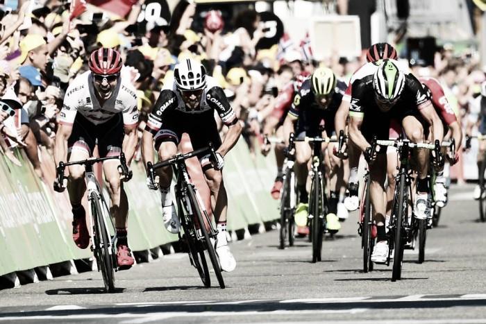 Tour de France, bis di Michael Matthews nel giorno dei ventagli