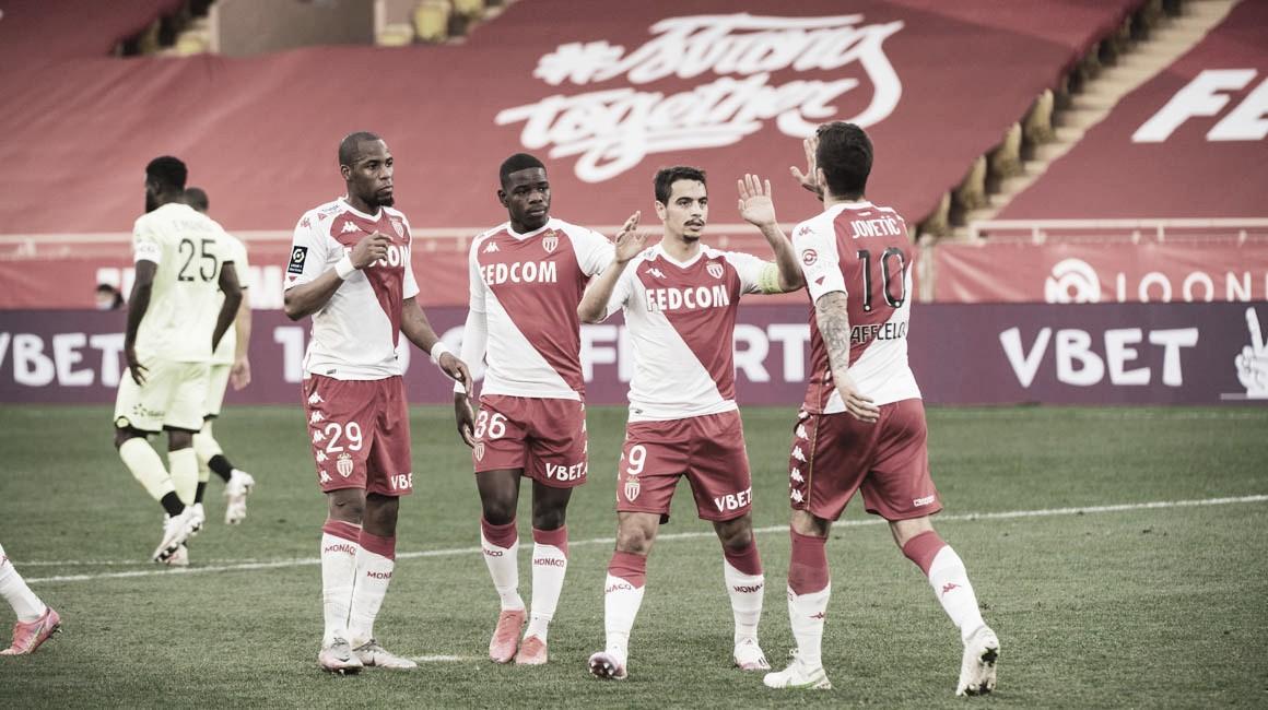 Monaco deslancha no segundo tempo e segue na cola dos líderes na Ligue 1