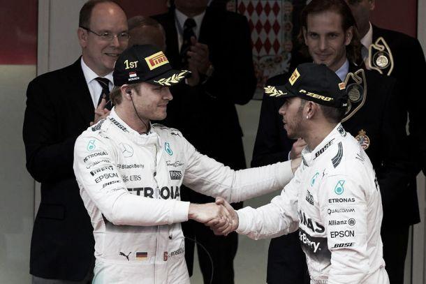 Lewis Hamilton: «Ganhamos juntos e perdemos juntos»