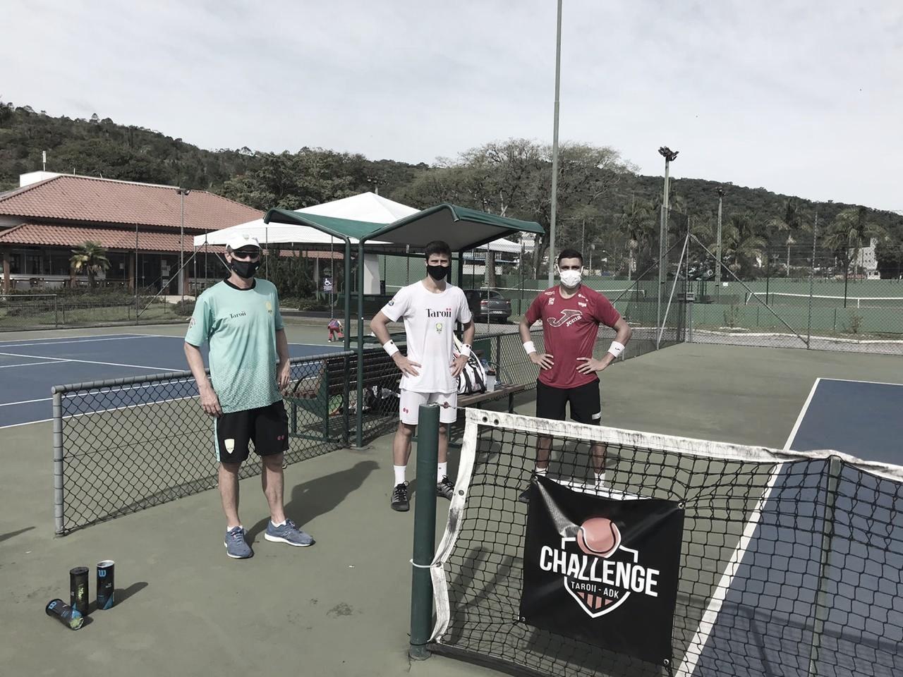 Tenistas brasileiros retomam treinamentos em Itajaí