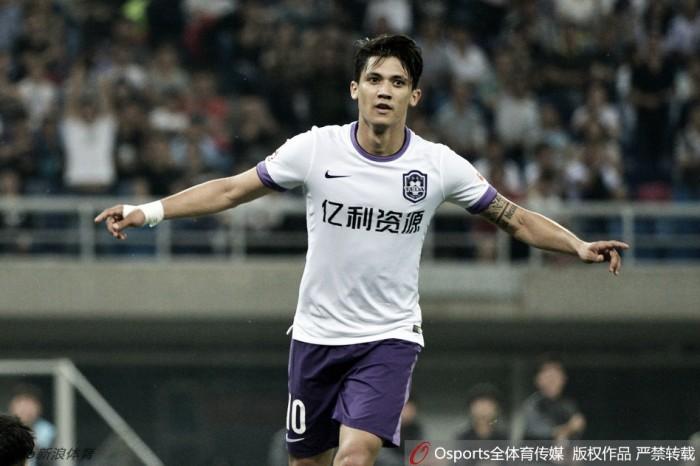 Colombiano Fredy Montero decreta vitória do Tianjin Teda na Liga Chinesa