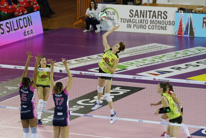 Volley, A1 femminile - Una quarta giornata senza sorprese
