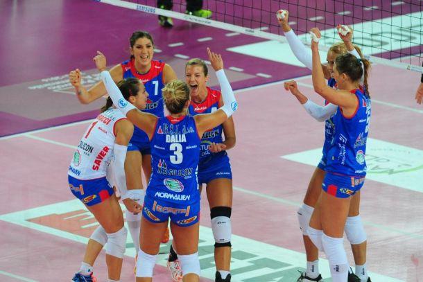Volley, A1 femminile - Firenze e Montichiari fanno la voce grossa, Bergamo incassa ancora