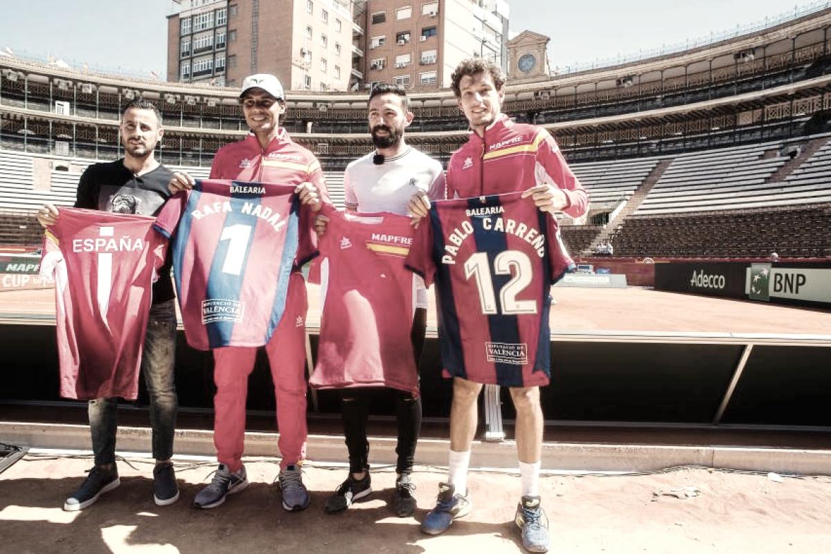Morales y Pedro López visitan al equipo español de Copa Davis