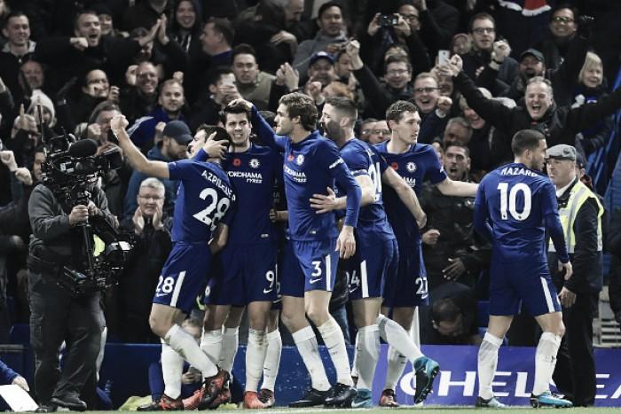 Em jogo intenso, Chelsea vence apático Man United e alivia situação de Conte