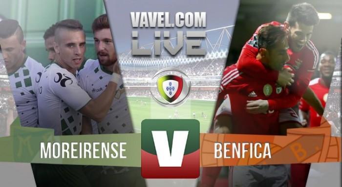 Com dois de Jonas, Benfica goleia Moreirense e mantém briga pela ponta