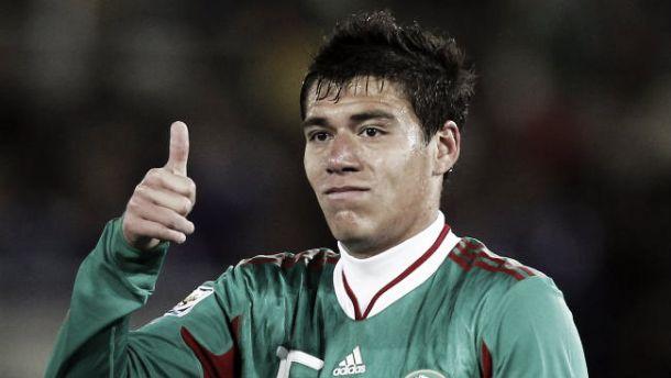 Operan con éxito a Héctor Moreno