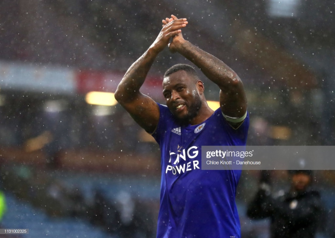 Leicester captain Wes Morgan signs one-year contract extension