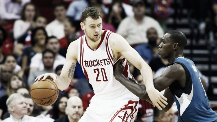 Houston Rockets iguala la oferta de Brooklin Nets por Motiejunas