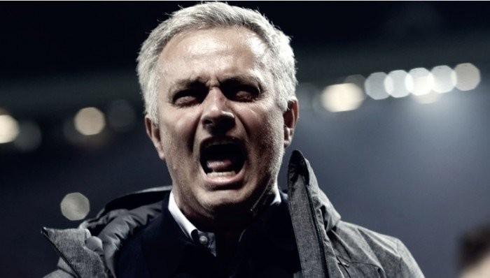 """José Mourinho: """"Ajax no debería estar en la Europa League"""""""