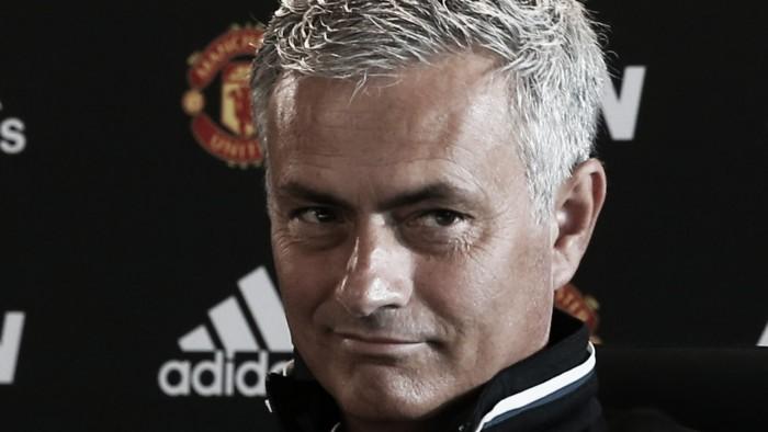 """Mourinho rebate críticas e não garante chegada de Pogba: """"Ainda é jogador da Juventus"""""""