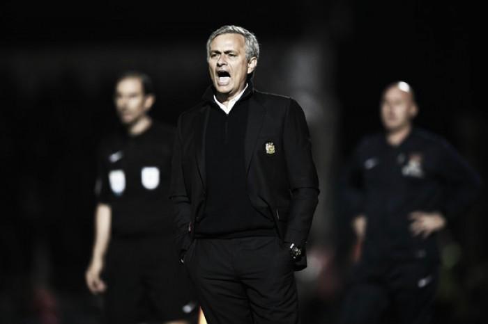 """Mourinho destaca vitória do United na Copa da Liga Inglesa: """"Sempre tivemos o controle"""""""