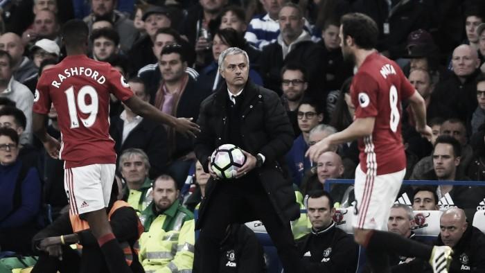 """Mourinho avalia como """"injusta"""" goleada sofrida para o Chelsea"""