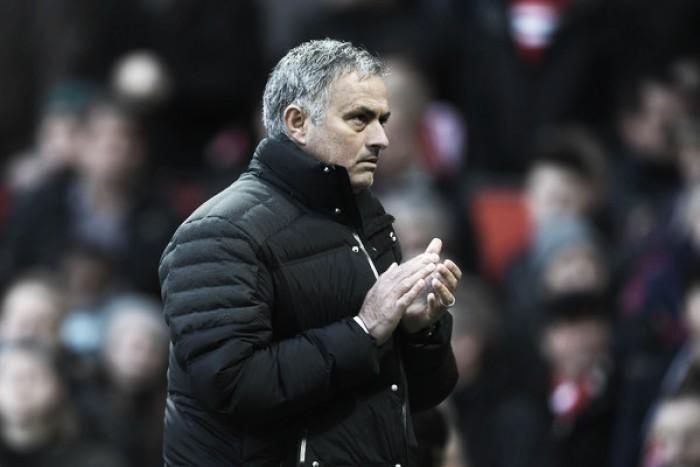 """Mourinho elogia atuação do time, mas lamenta empate contra Arsenal: """"Não tivemos sorte"""""""