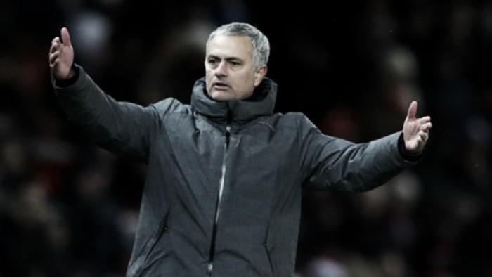 """""""Fomos punidos por nossos erros"""", diz Mourinho sobre empate do Leicester no último lance"""
