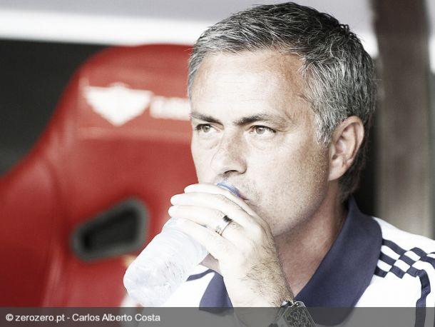 Mourinho sobre Benfica: «Chega à Europa e falha»