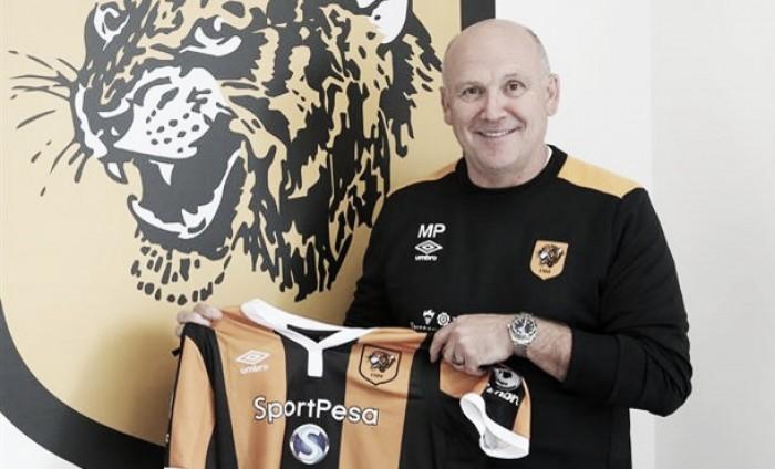 Hull City ratifica a Mike Phelan como entrenador