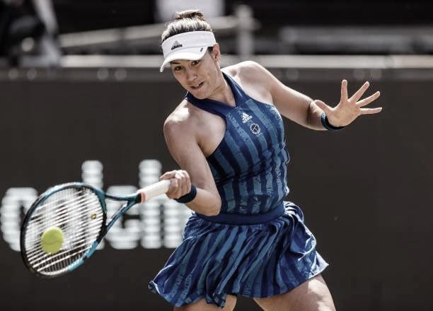 Muguruza domina Rybakina e avança às quartas do WTA de Berlim