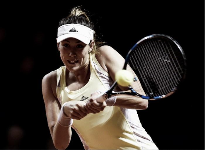 WTA Stuttgart: Garbiñe Muguruza powers past Timea Babos